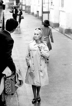 caterine deneuve trench